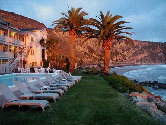 Santa Barbara Hotels >> Cliff House Inn On The Ocean, Ventura, CA - California Beaches