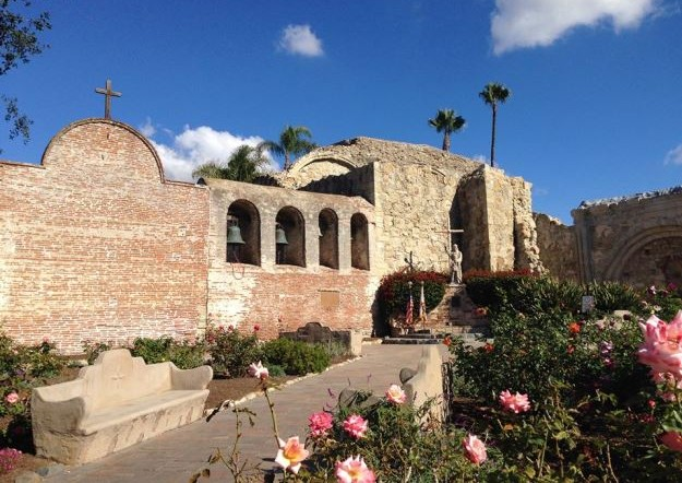 san juan capistrano personals San juan capistrano is an easy day trip from los angeles and orange county, by amtrak train or freeway tours of the mission buildings and gardens include the ruins of the 1797 great stone church, destination for the legendary swallows of capistrano.